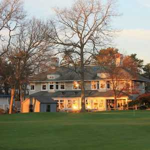 Bayberry Hills GC: Clubhouse